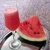 Sumo para ácido úrico (melancia e água de côco)