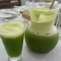 Sumo anti-envelhecimento ( a base de brócolis,couve flor,água-de-côco)